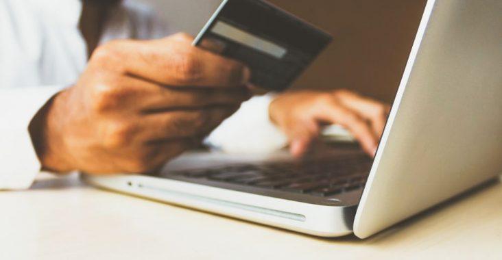 E-handeln skjuter i höjden